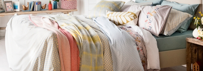 Bedspreads, throws and blankets