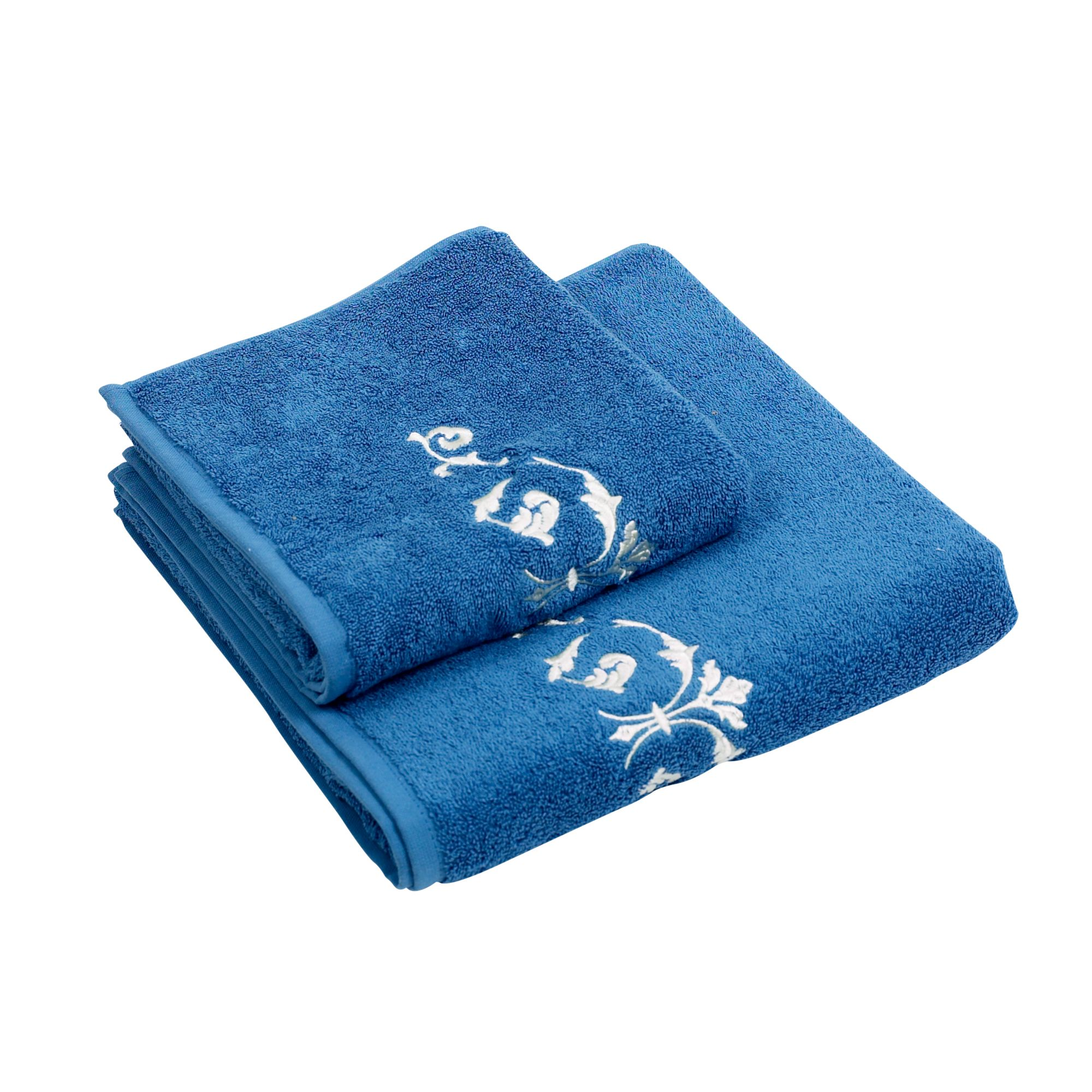 Arabesque embroidered bath towel