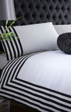 Pied a Terre Coloured pleats bed linen in black