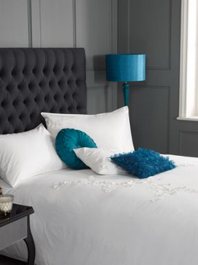 Pied a Terre Lhasa white bed linen