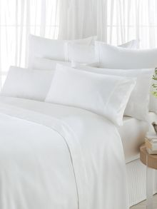 600 thread count bed linen white