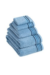 De Luxe towel range in dove