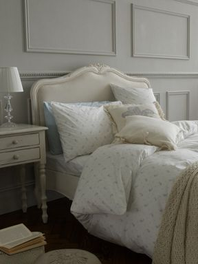 Shabby Chic Ditsy Floral bed linen in Blue