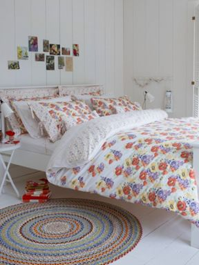 Christy Poppy Print bed linen