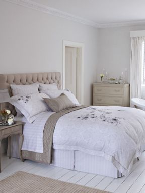 Christy Wilbur Embroidered bed linen