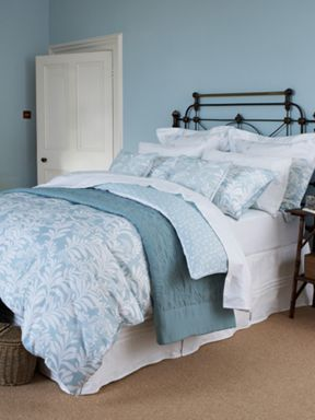 Christy Darwin Leaf bed linen