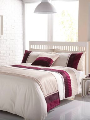 Linea Hudson bed in a bag in plum