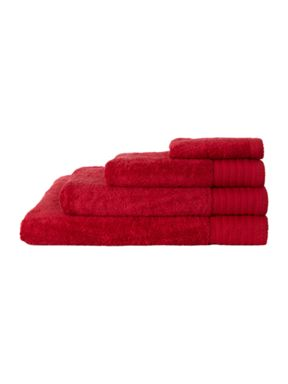 Linea Luxury 700 gsm cotton towels in red
