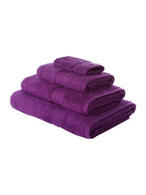 Linea Luxe Egyptian cotton towels in passion