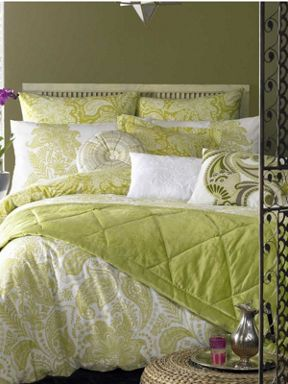 Elizabeth Hurley Persian Lime bed linen