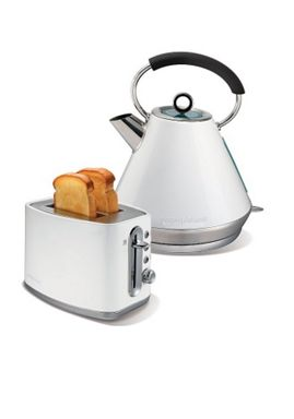 Morphy Richards White toaster and kettle set