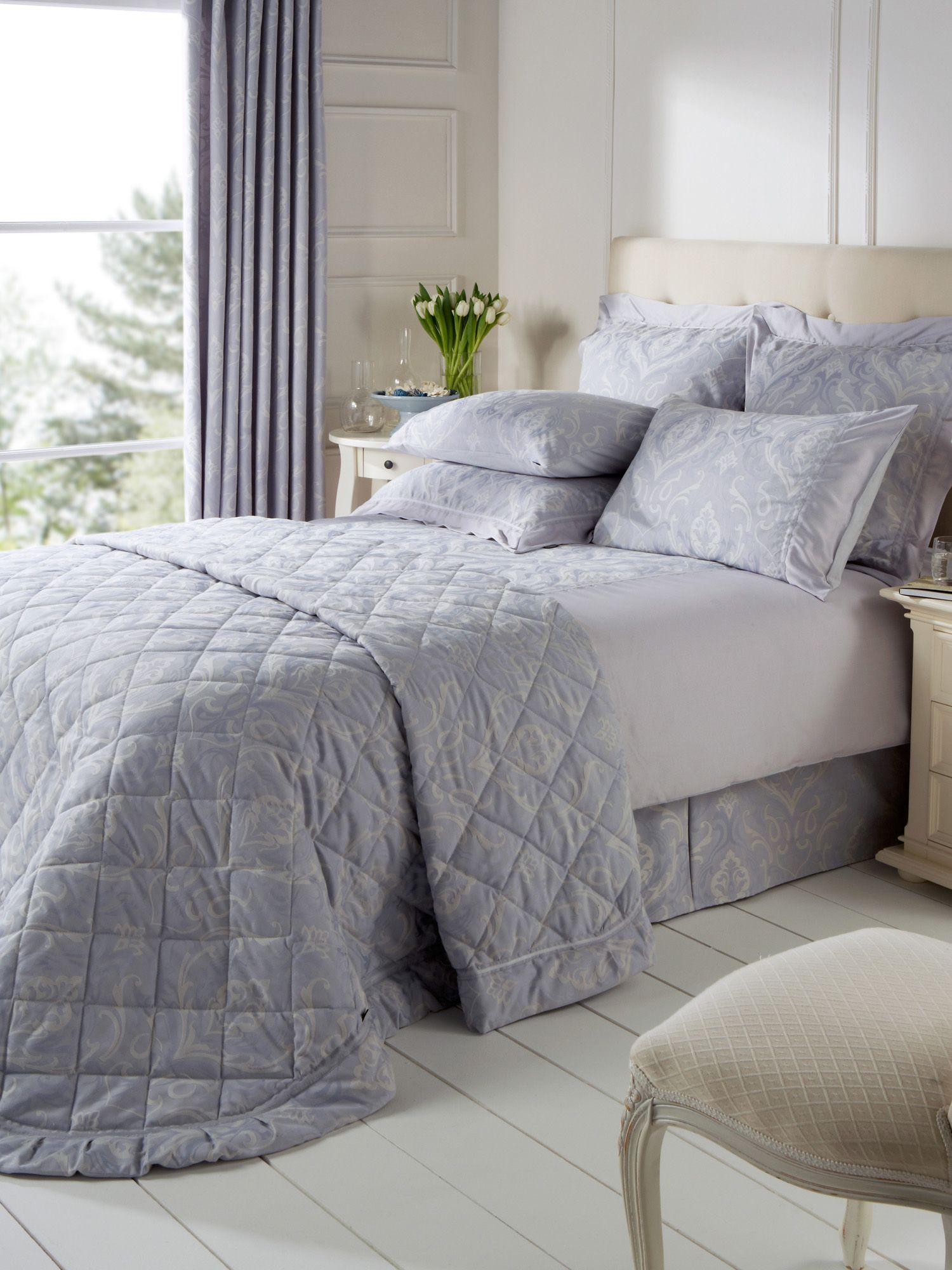 Julianna bedspread range in lavender