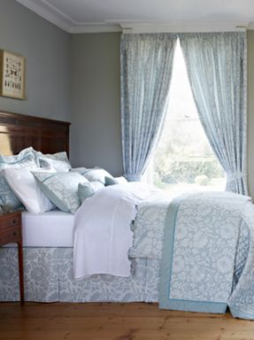 Christy Harmony Floral bed linen teal