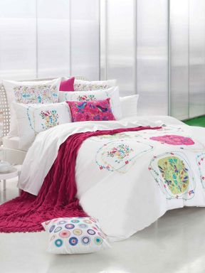 Kas Tansia bed linen
