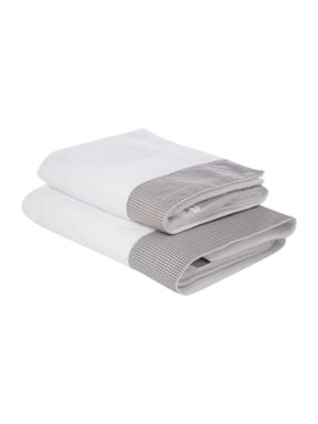Linea Linea Gingham towels in pale grey