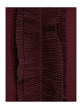 Pied a Terre Ruffles bed linen in burgundy