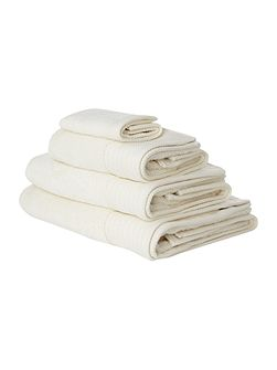 Luxury Hotel Collection Hand Towel in Cream