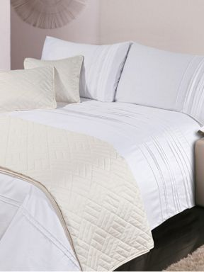 Luxury Hotel Collection 500 thread count White Pleat bed linen