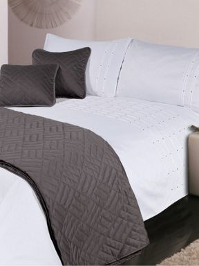 Luxury Hotel Collection 500 thread count Pintuck bed linen