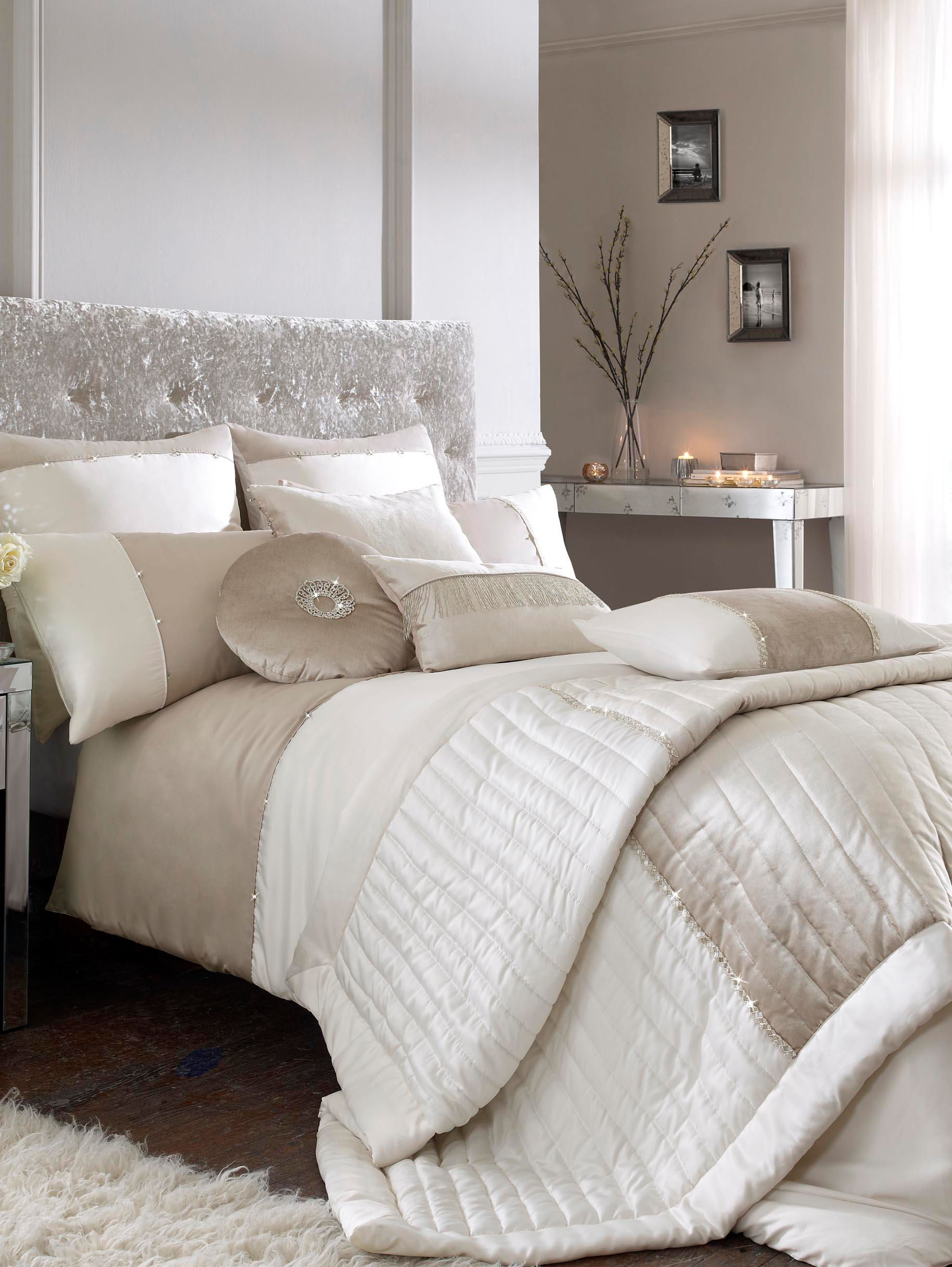 Crystal bed linen
