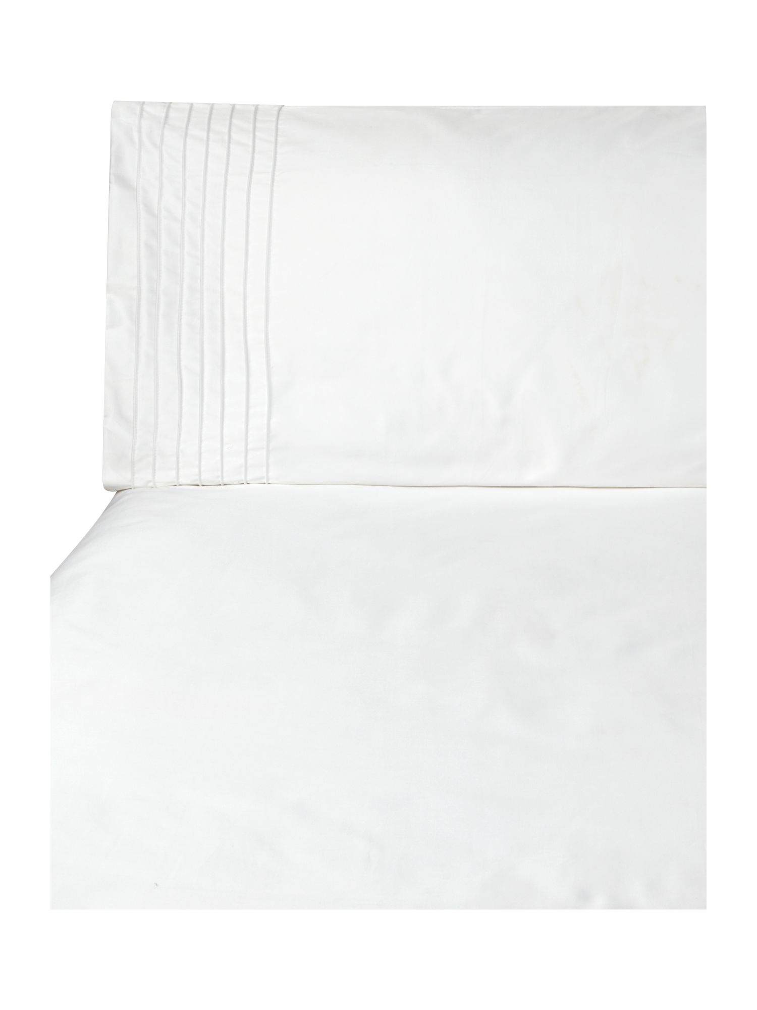 500 TC Pintuck bed linen in white