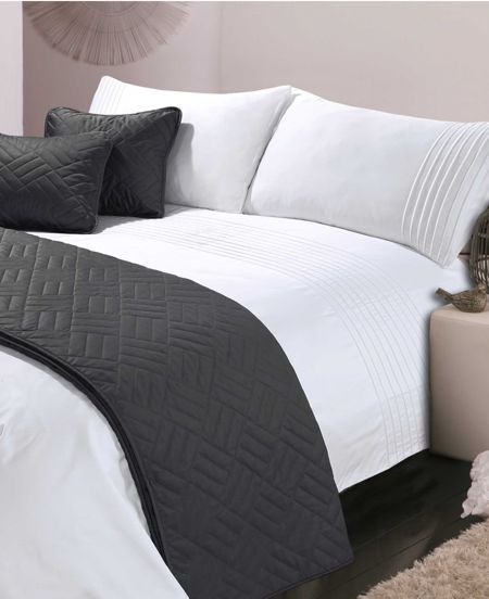 Luxury Hotel Collection White Pintuck double duvet cover set