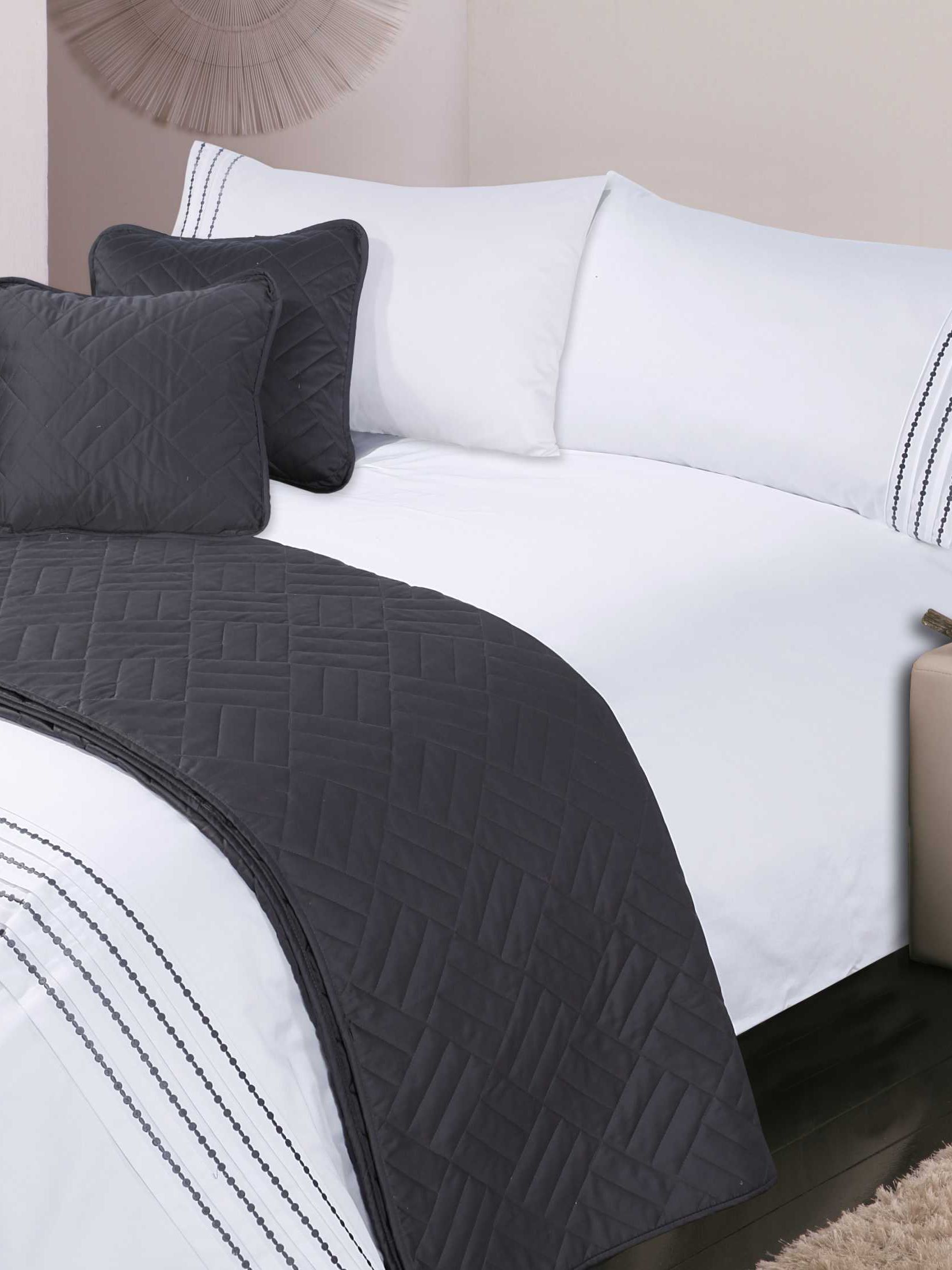Pearl embroidery bed linen in pewter