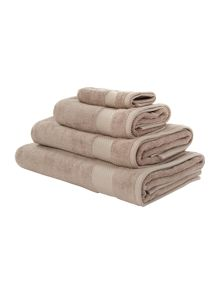 Egyptian cotton towels in mocha