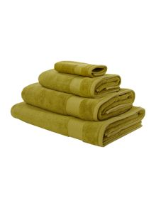 Egyptian cotton towels in lime