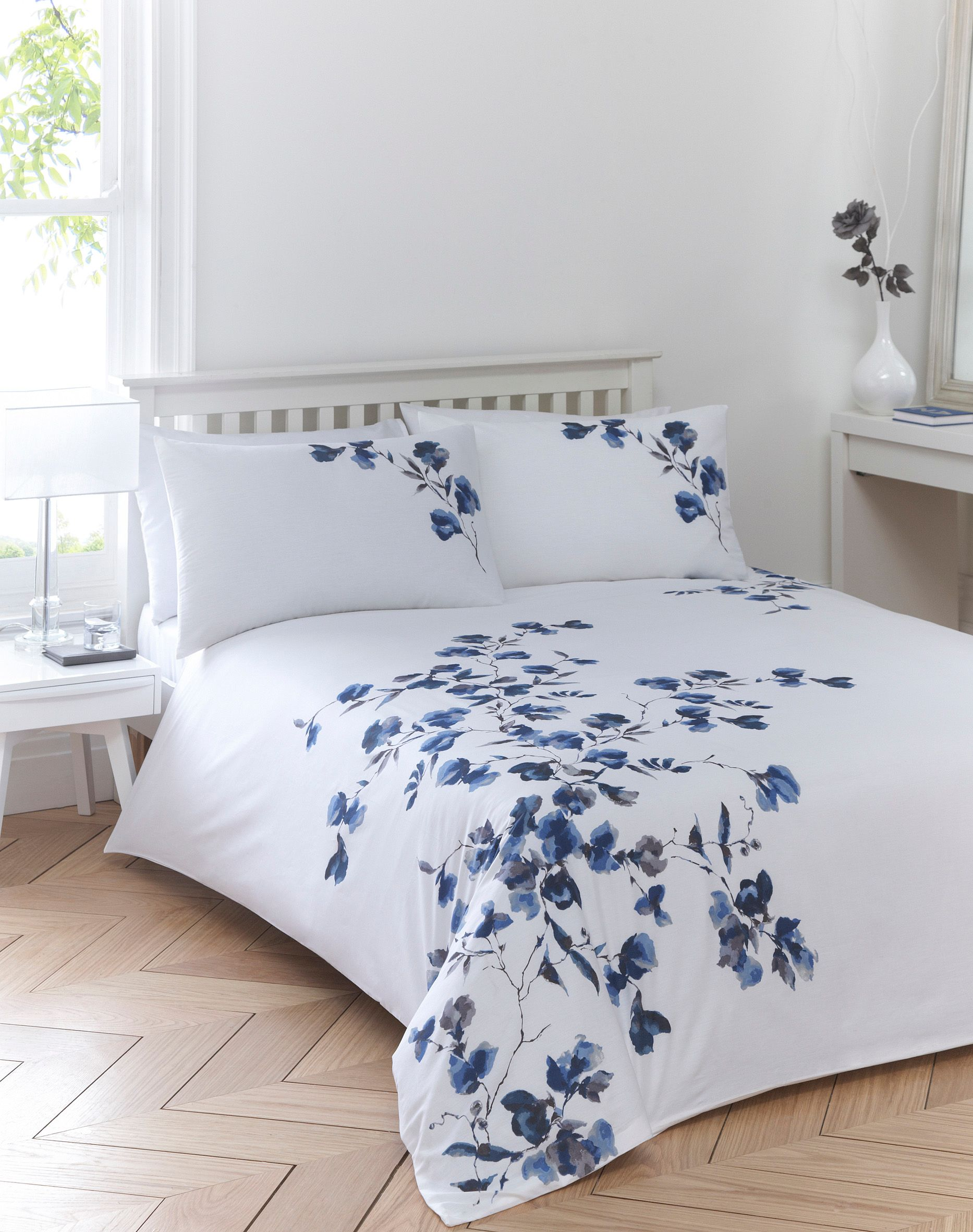 Floral cascade bed linen sets