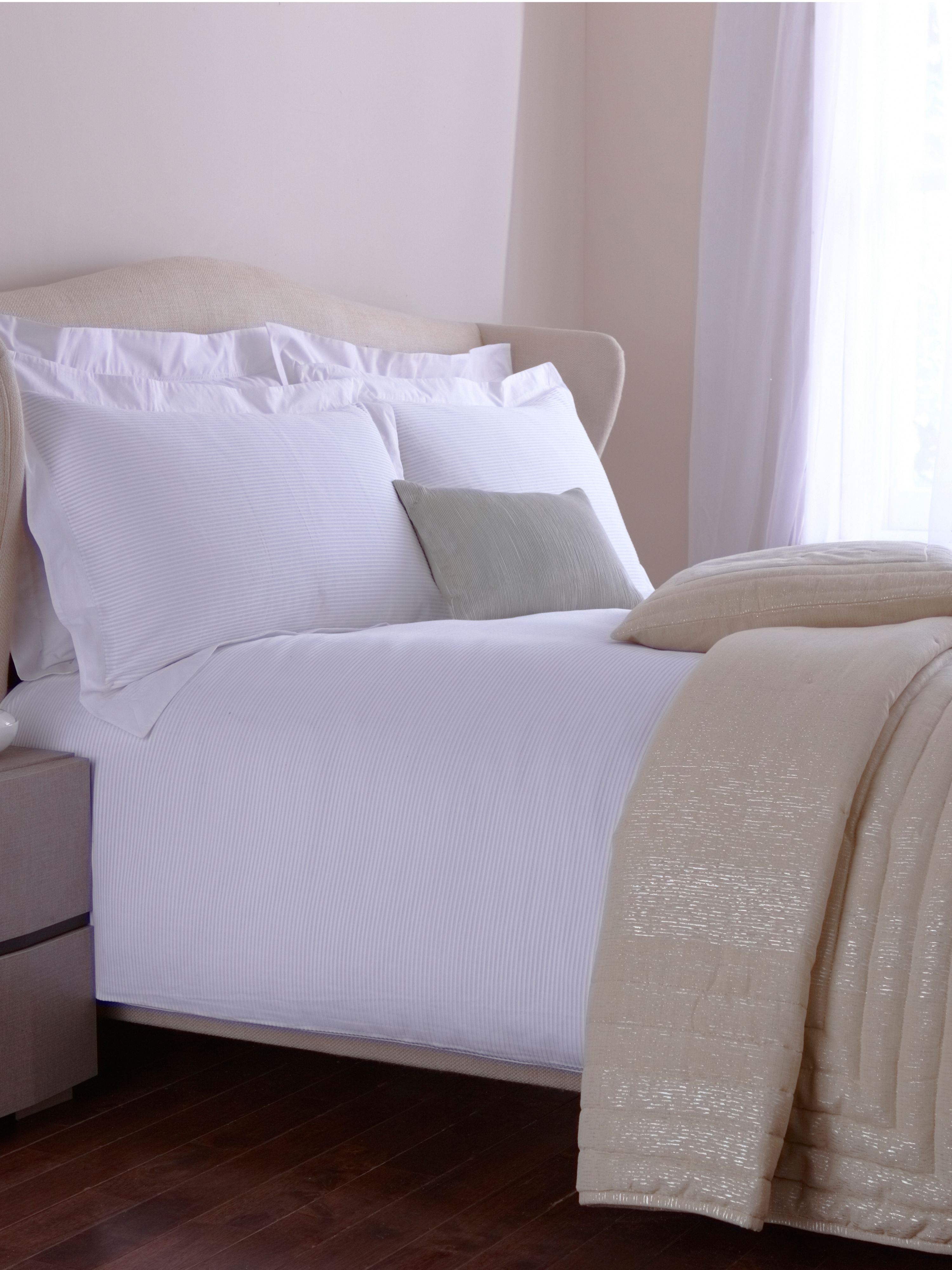Kensington bed linen in white