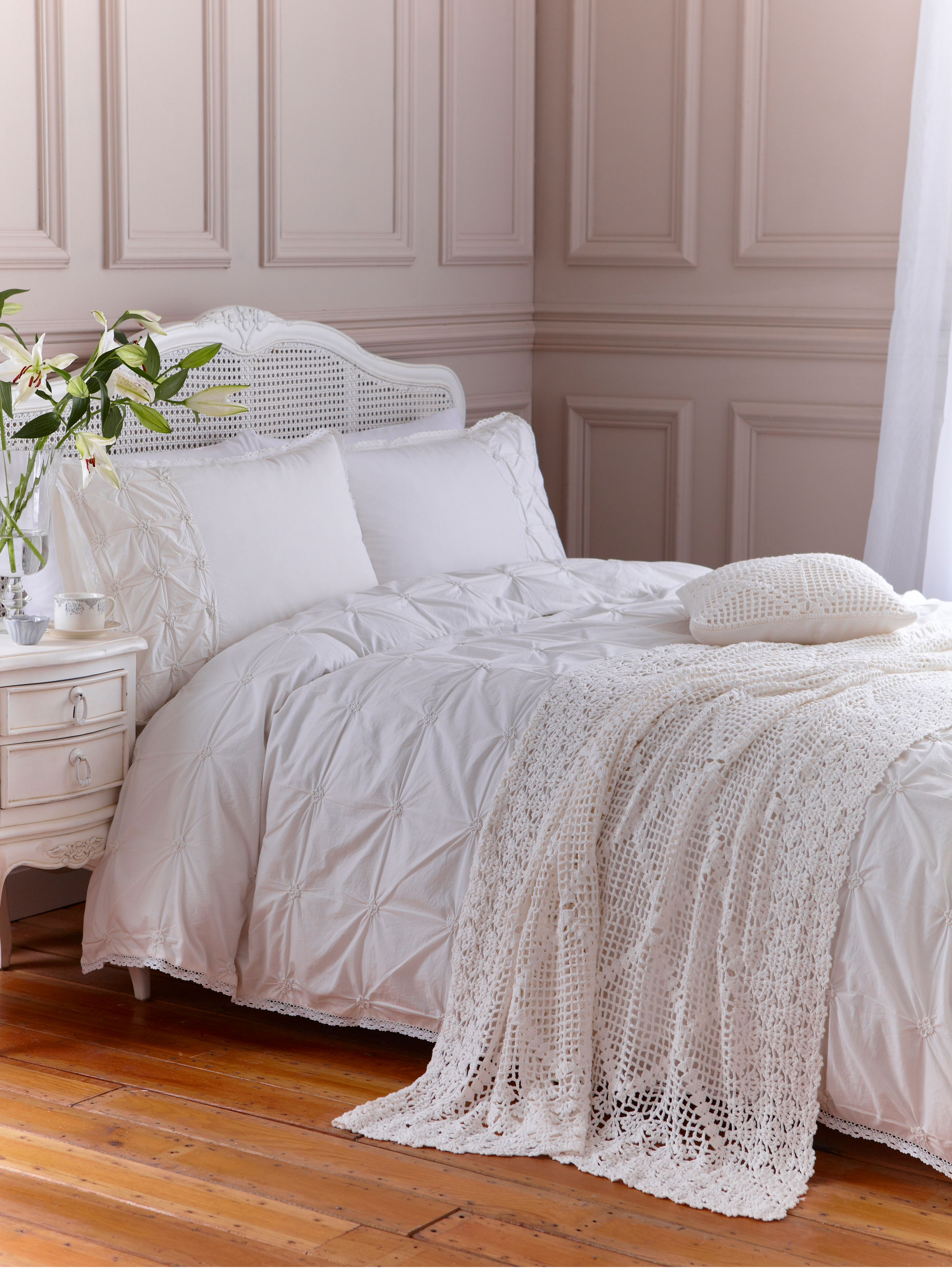 Vintage Cream Pintuck double duvet cover