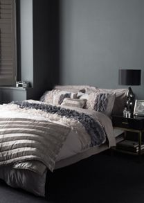 Ombre ruffle bed linen in grey