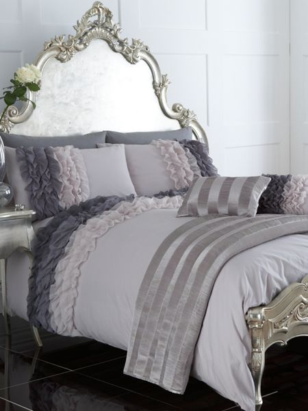 Pied a Terre Ombre Ruffle double duvet cover