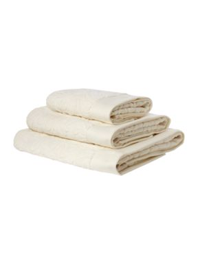 Pied a Terre Heavy jacquard towels in cream