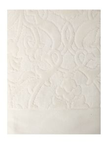 Heavy jacquard towels in cream