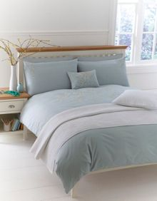 Ditsy daisy embroidered bed linen sets
