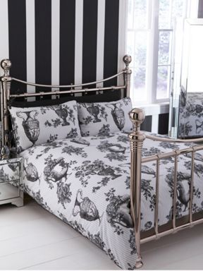 Timney Urn bed linen in white and black