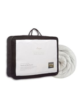 Luxury Hotel Collection Touch of silk 4.5 tog duvets