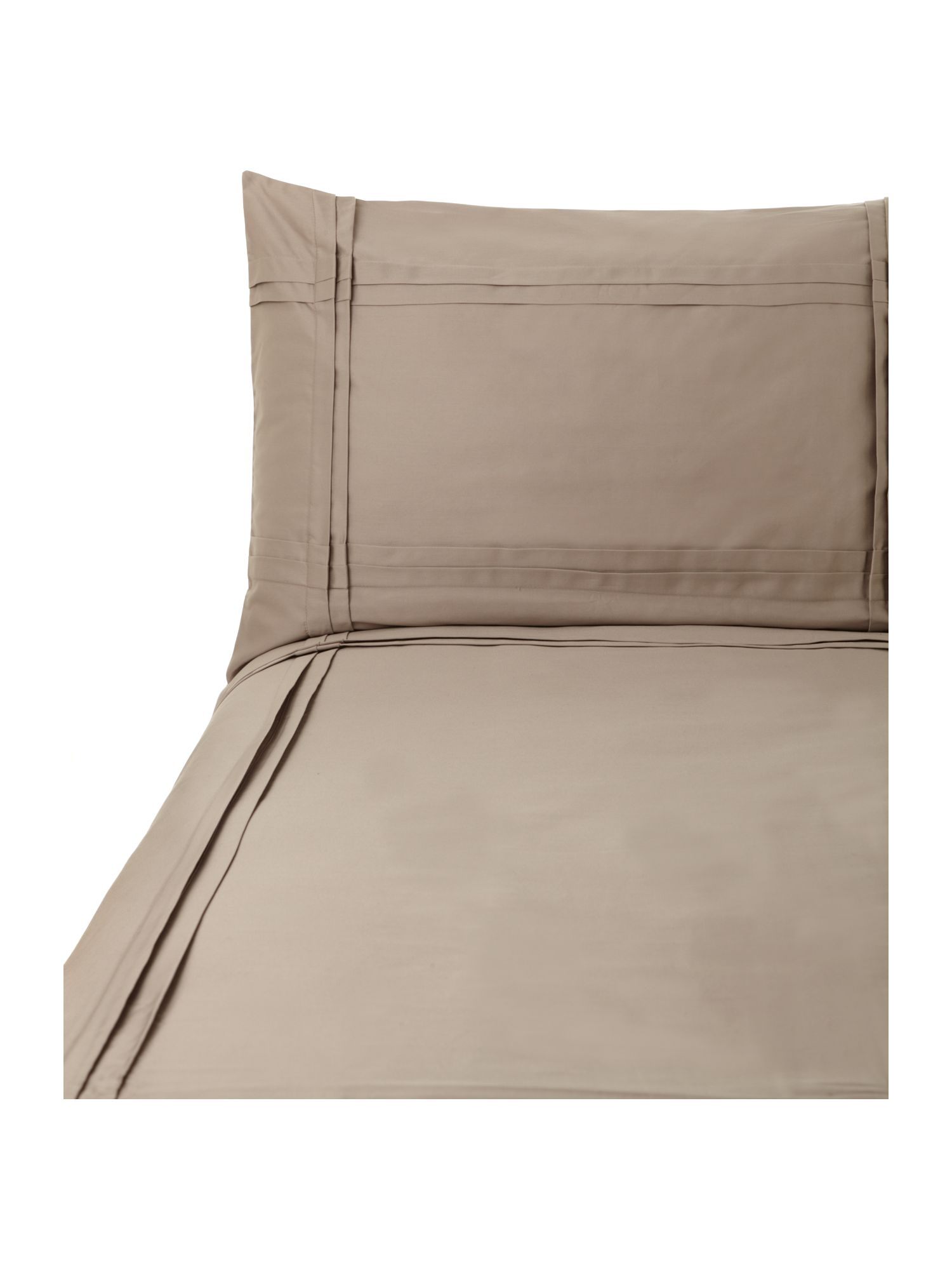 Criss cross pleat bed linen in oyster