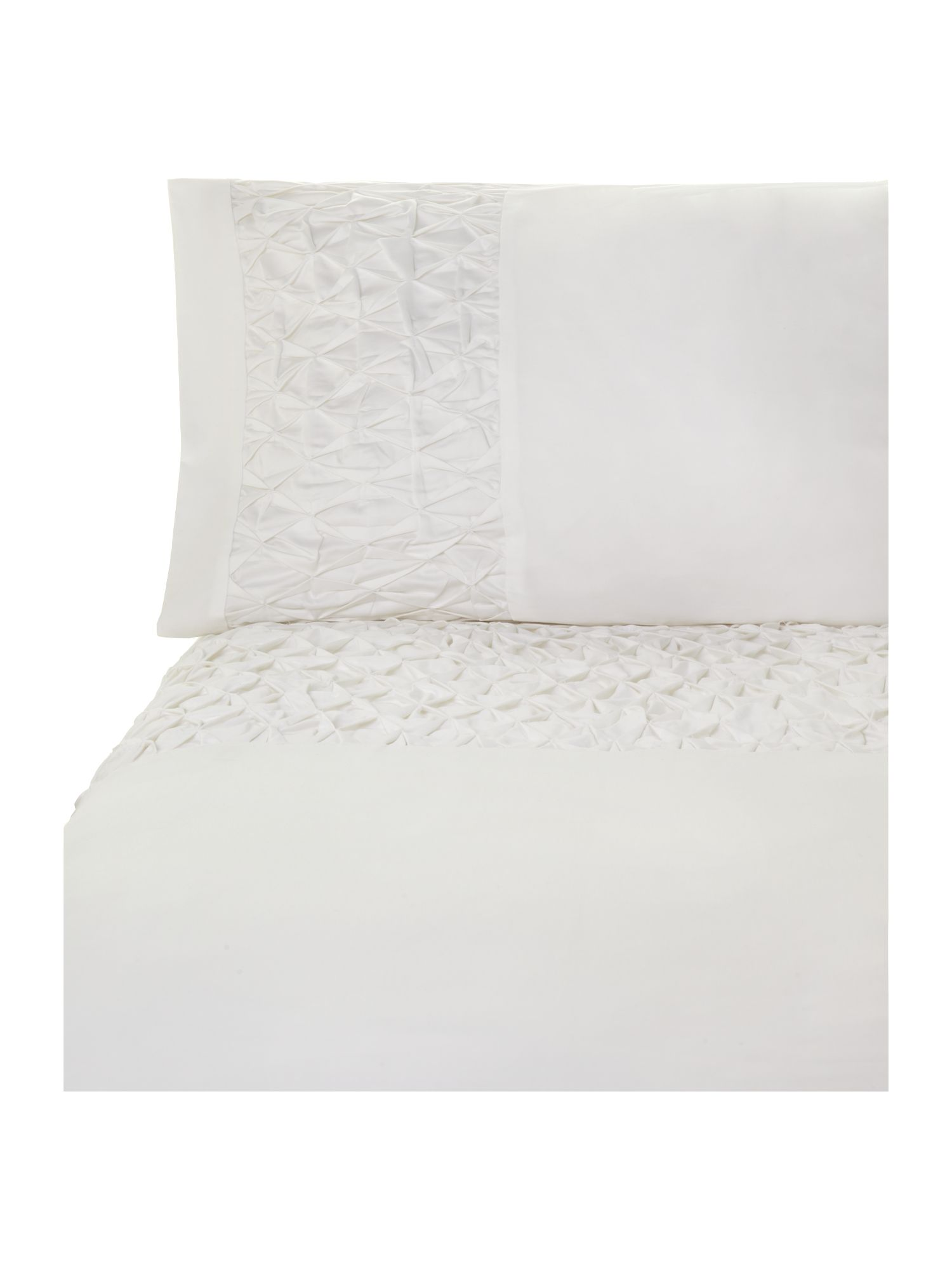 500TC Diamond pleats bed linen in white