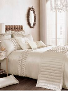 Felicity bed linen in champagne