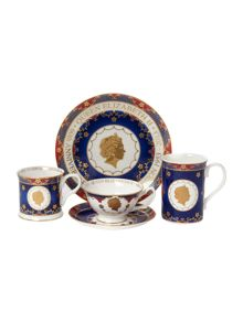 Royal coronation dinnerware range