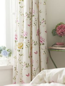 Pavilion curtains in pink