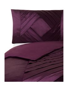 Plum diamond bed linen