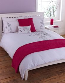 Romance embroidery duvet cover set