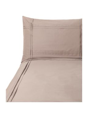 Luxury Hotel Collection Criss cross pleat sheeting in taupe