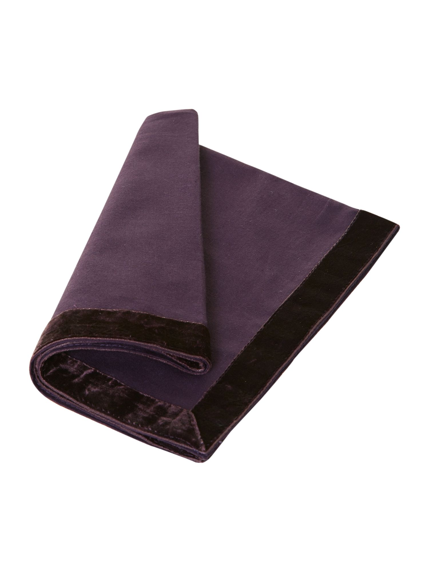 Purple trim tablelinen range