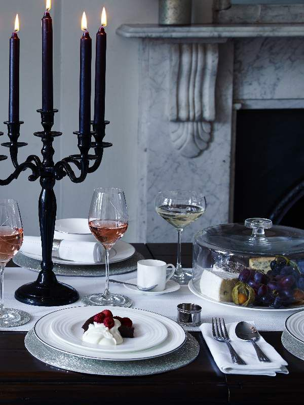 Oxford tablelinen range