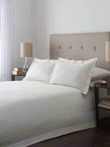 Luxury Hotel Collection Satin stripe duvet cover set in cream.